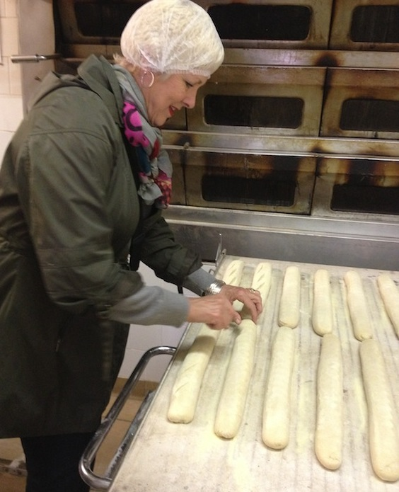 lynne_slicing_baguettes